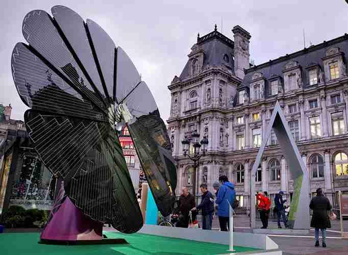 Commercial city solar panel install